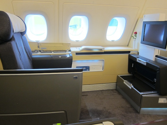 how to know whether your lufthansa flight will feature the new first or business class cabins. Black Bedroom Furniture Sets. Home Design Ideas