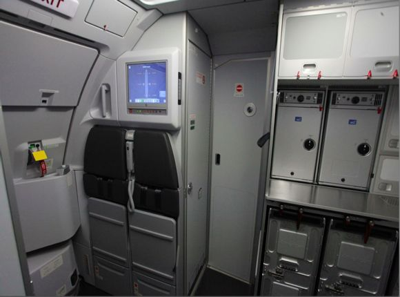 Pictures Of American S New Airbus A319s One Mile At A Time