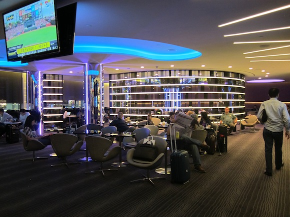 The eva air lounge in taipei wow one mile at a time for Best airport lounge program