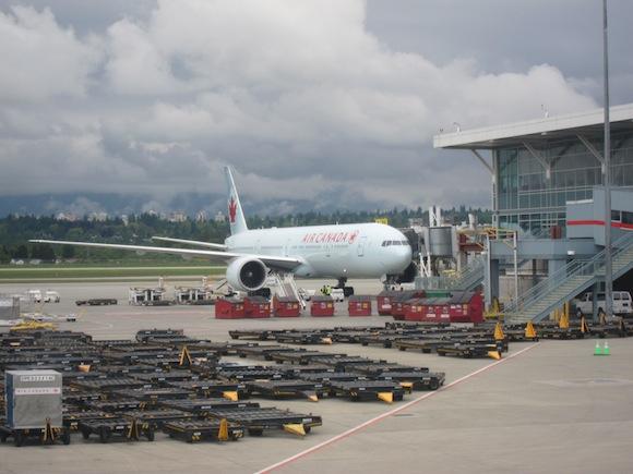Lufthansa_First_Class_A33014