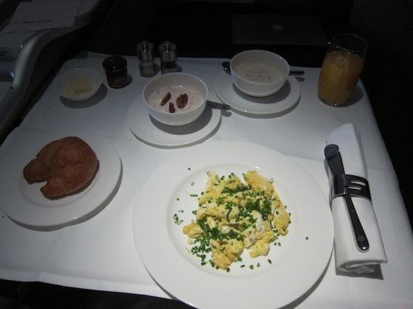 Lufthansa_First_Class_A33057