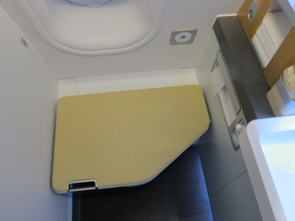 Lufthansa_First_Class_A33058