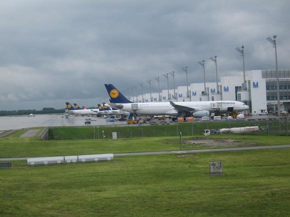 Lufthansa_First_Class_A33065
