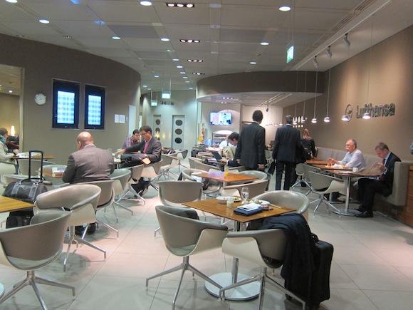 Munich Lufthansa Senator Lounge03