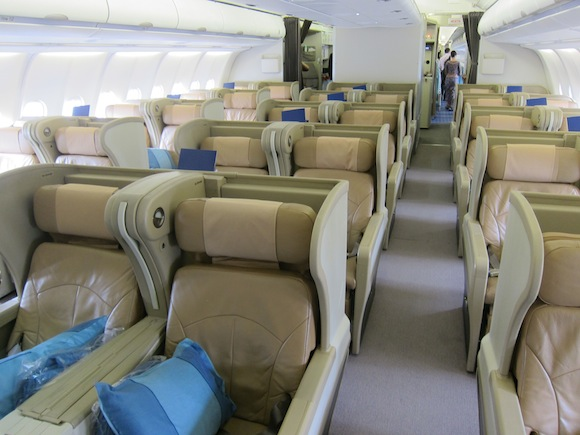 Singapore Airlines A330 Business Class01