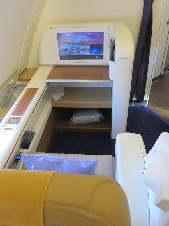 Thai_Airways_First_Class_A38004