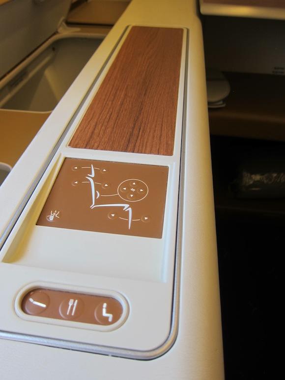 Thai_Airways_First_Class_A38017