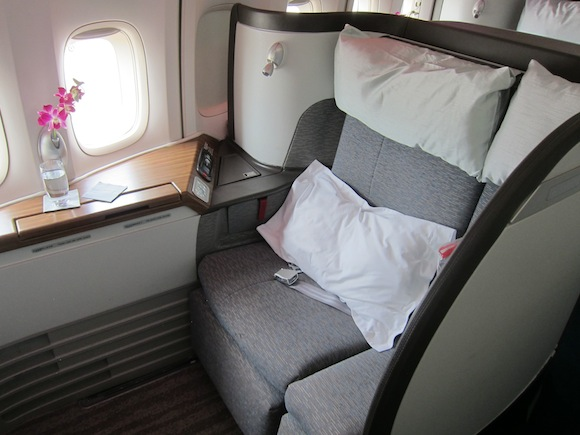 Cathay_Pacific_747_First_Class01
