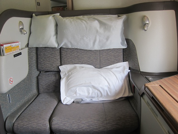 Cathay_Pacific_777_First_Class02