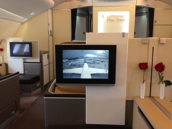 Lufthansa_First_Class_A38009