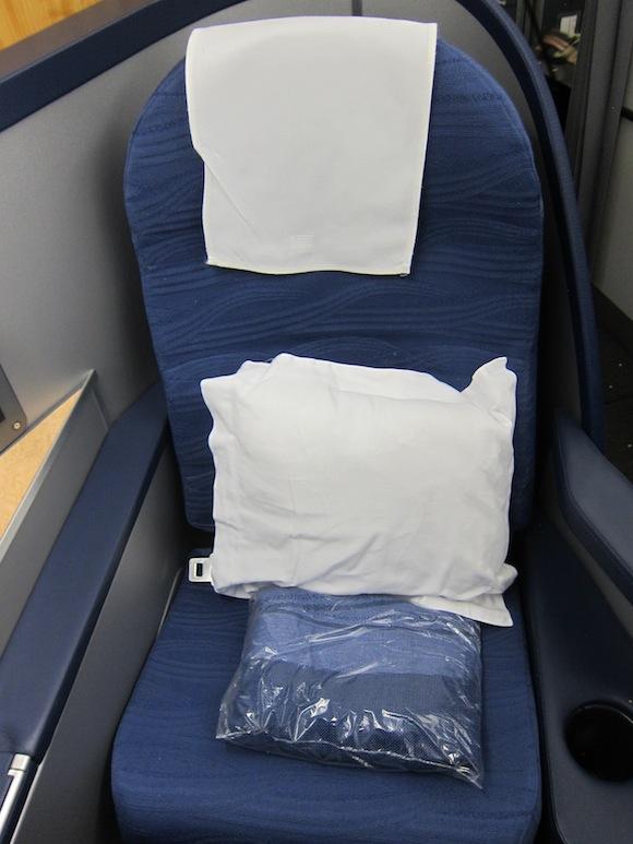 US_Airways_Envoy_Class04