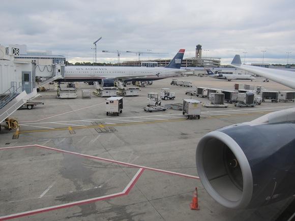 US_Airways_Envoy_Class14