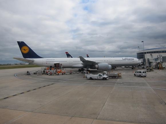 US_Airways_Envoy_Class15