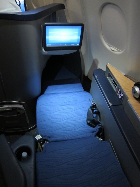 US_Airways_Envoy_Class43