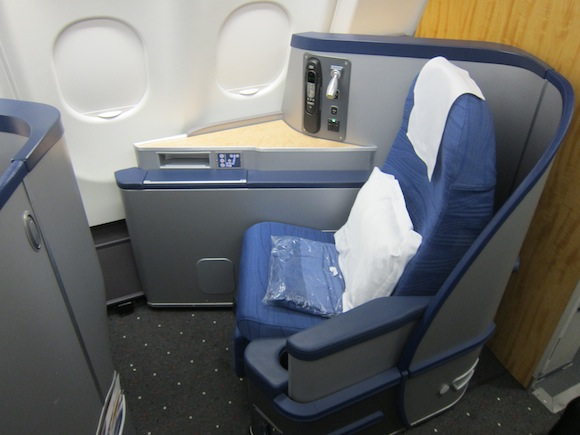 US_Airways_Envoy_Suite2