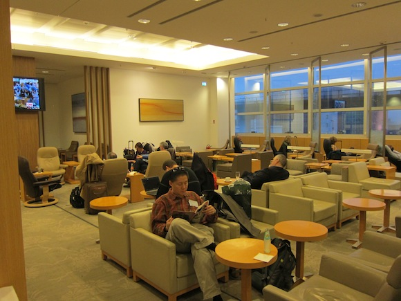 Japan-Airlines-Lounge-Frankfurt-09