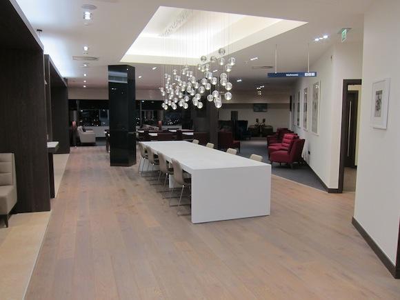 Review British Airways Galleries Club Lounge Edinburgh