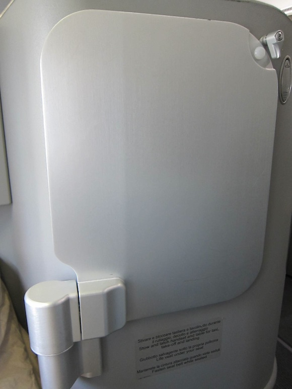 Secured tray table