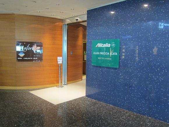 Alitalia-Lounge-Rome-Airport-07