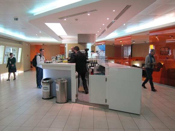 Alitalia-Lounge-Rome-Airport-12