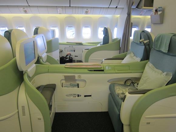 review korean air 777 first class tokyo narita to seoul. Black Bedroom Furniture Sets. Home Design Ideas