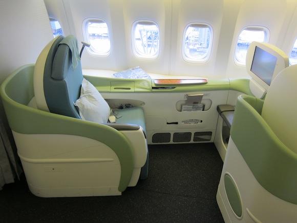 Review Korean Air 777 First Class Tokyo Narita To Seoul