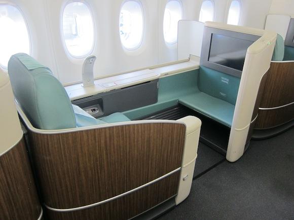 Korean-Air-A380-First-Class-001