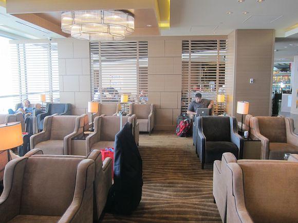 Plaza-Premium-Lounge-Vancouver-07