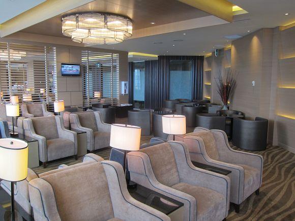 Plaza-Premium-Lounge-Vancouver-11