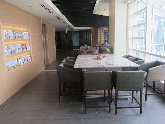 Plaza-Premium-Lounge-Vancouver-13