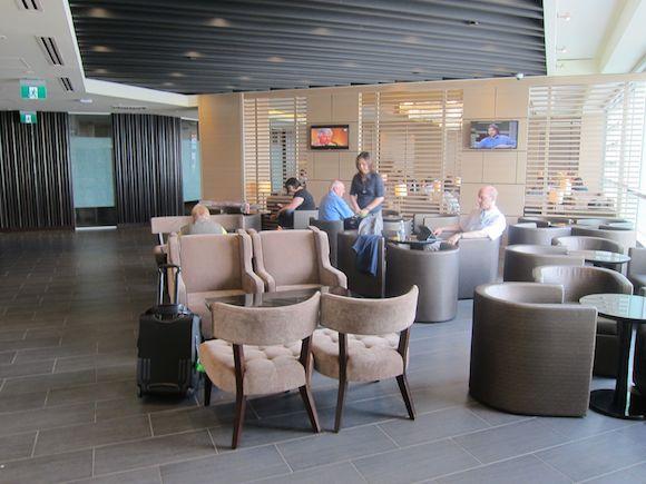 Plaza-Premium-Lounge-Vancouver-14