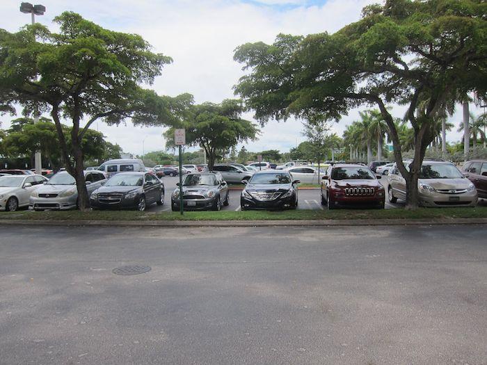 Hilton-Palm-Beach-Airport-02