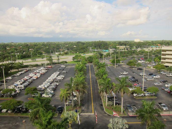 Hilton-Palm-Beach-Airport-19