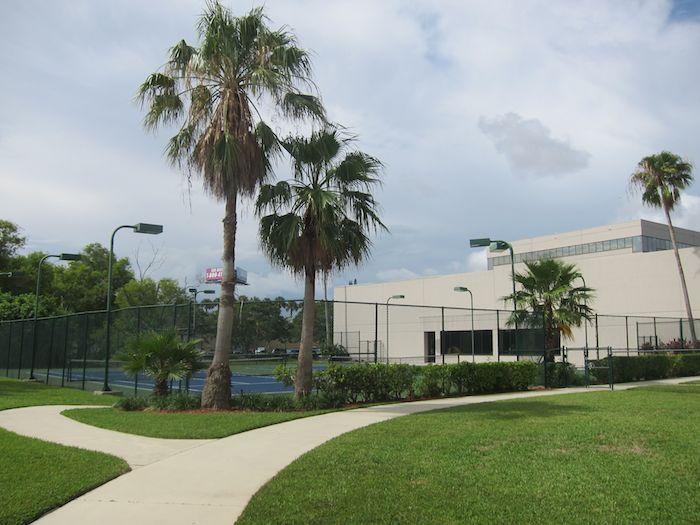 Hilton-Palm-Beach-Airport-43