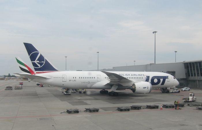 LOT-Business-Class-787-01