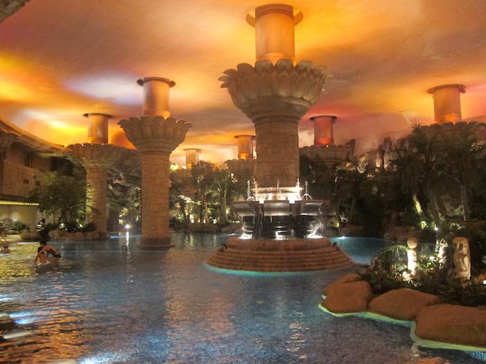 Grand hyatt beijing pool is awesome one mile at a time for Grand hyatt beijing swimming pool