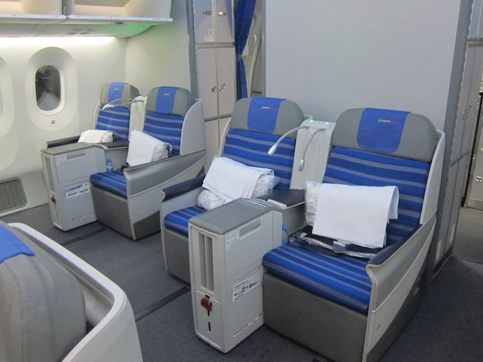 Lot Business Class 787 05
