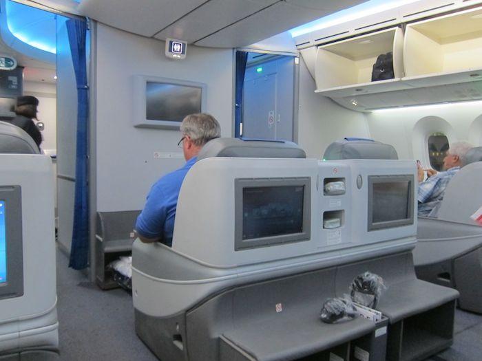 LOT-Business-Class-787-21