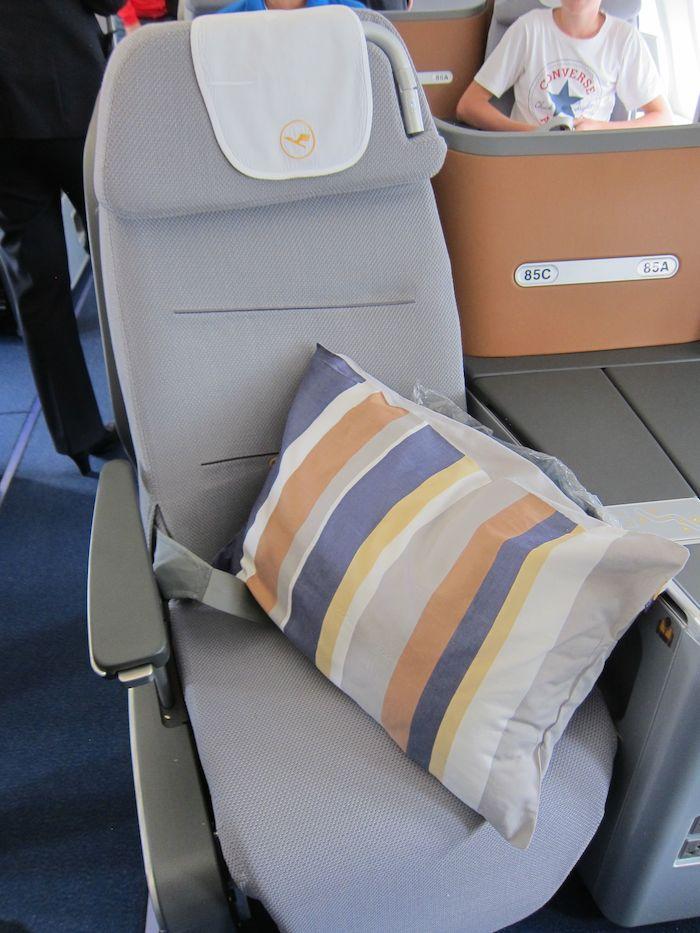 Lufthansa-Business-Class-7478-06