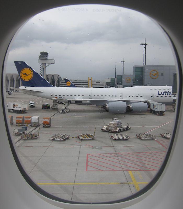 Lufthansa Business Class 7478 25