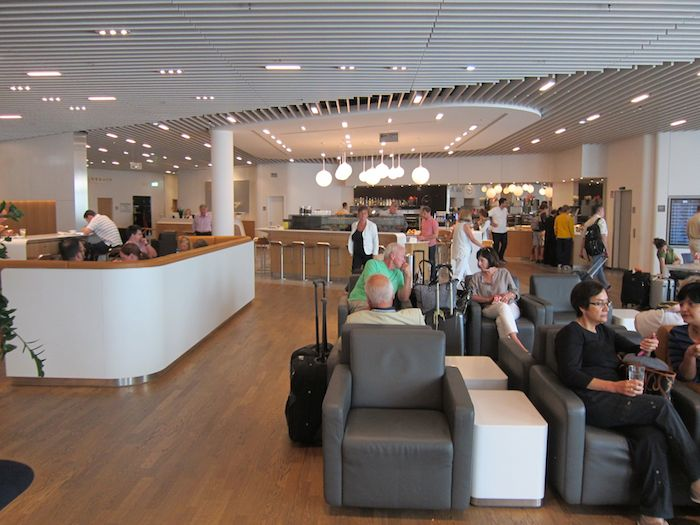Lufthansa Business Lounge Frankfurt 05