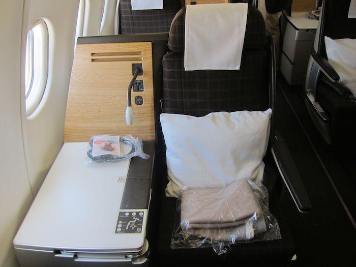 Swiss-A330-Business-Class-04