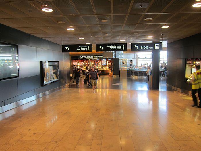 Swiss-Panorama-Lounge-Zurich-Airport-01