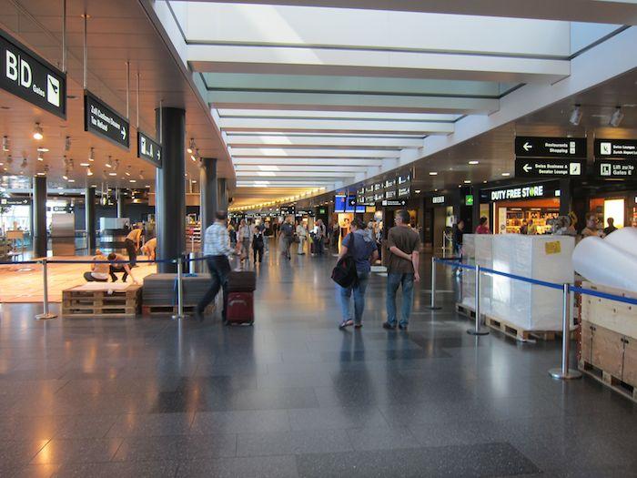 Swiss-Panorama-Lounge-Zurich-Airport-04