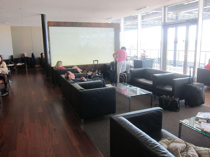 Swiss-Panorama-Lounge-Zurich-Airport-17