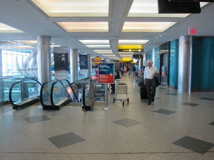 AmEx-Centurion-Lounge-LGA-Airport-01