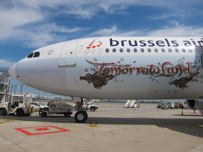 Brussels-Airlines-Tomorrowland-Flight-2014-26