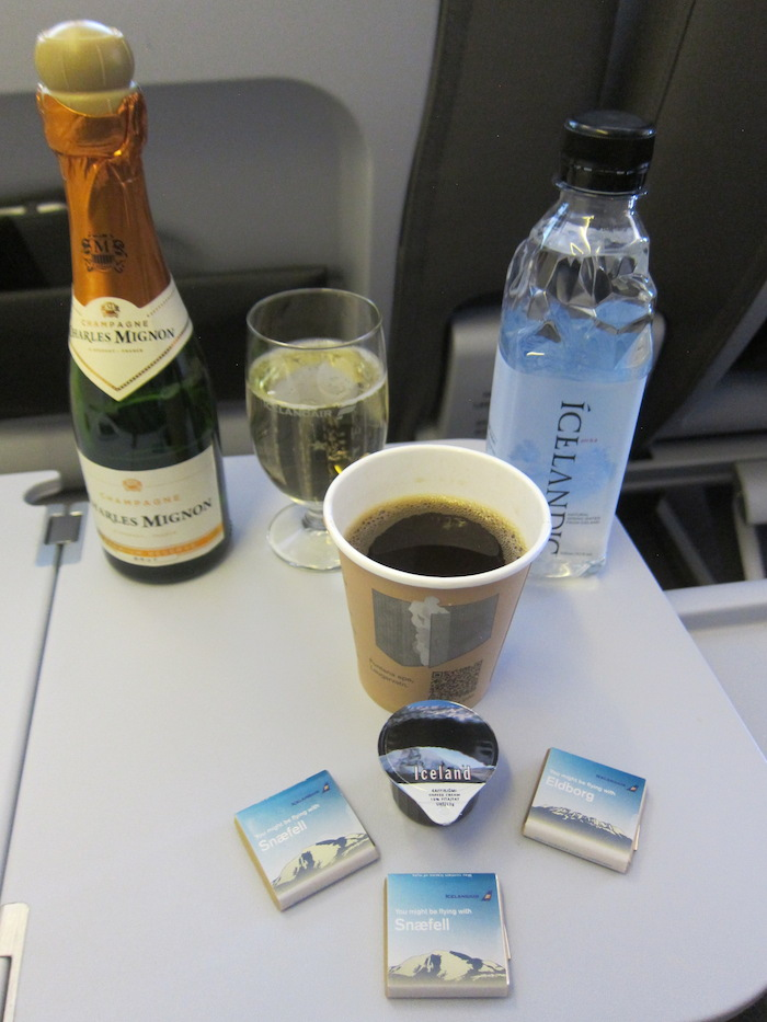 Icelandair-Business-Class-14