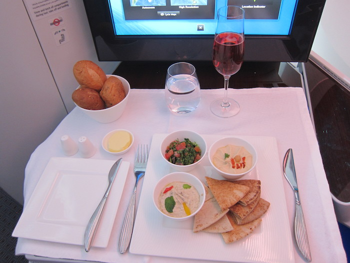 Qatar-Airways-787-Business-Class-13