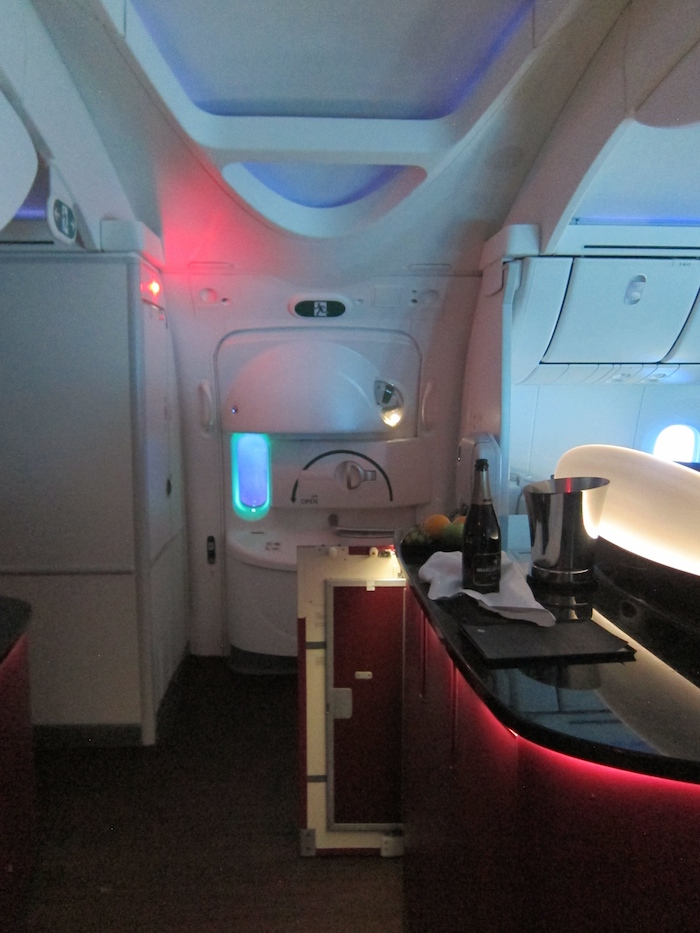 Qatar-Airways-787-Business-Class-16